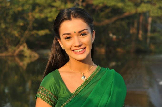 Amy Jackson images in Sari Indian dress