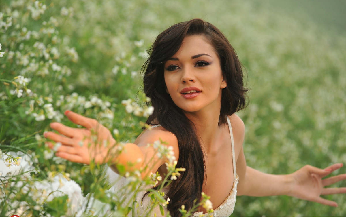 Amy jackson wallpaper in full HD