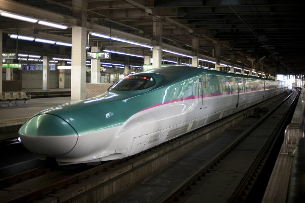 hayabusa e5 shinkansen