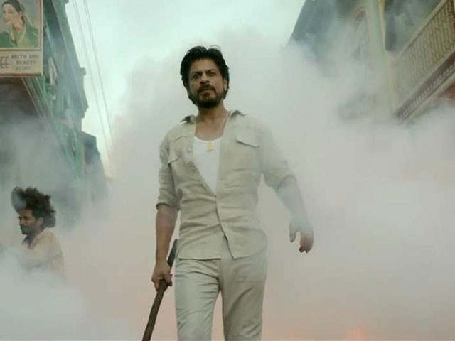 Raees Trailer SRK is a bootlegger, who sells liquor illegally